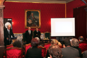 The presentation of the coin took place at Coimbra University's Senate Chamber