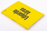 Eduardo Aires é o 14.º volume da Coleção D, dedicada aos designers portugueses contemporâneos