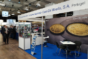 INCM's stand welcomed collectors and numismatists from around the world