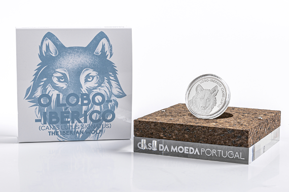 Photo 4 of product Endangered Fauna Species - The Iberian Wolf (Silver Proof)